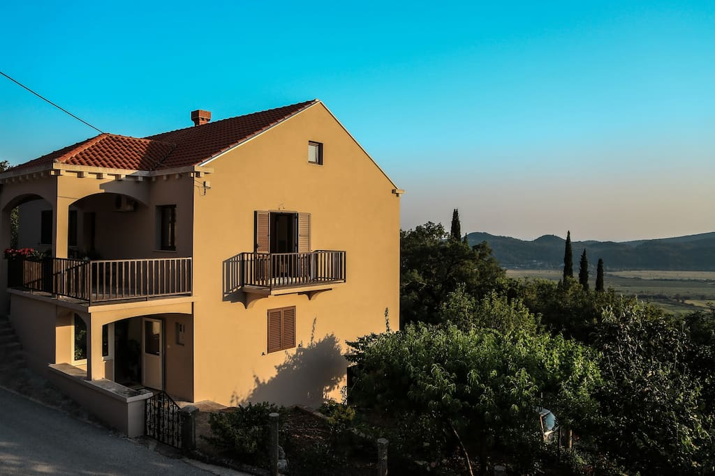 Dubrovnik Apartment Veselic in a quiet place in the center of the Konavle region