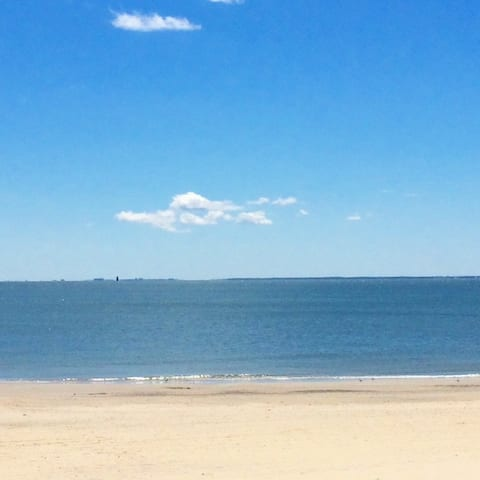 Bayside Retreat - Beachfront Home in Hampton, VA