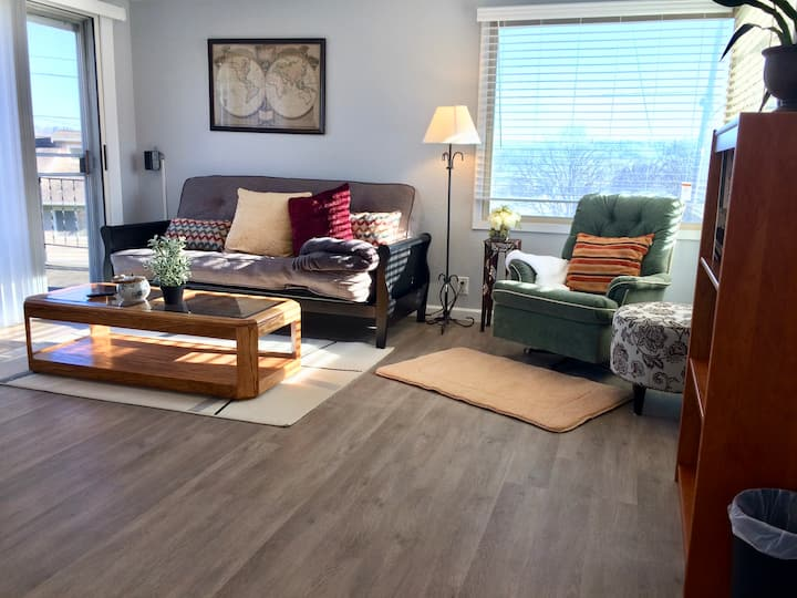 Sunny 2Bd/2Ba Home-Near Boeing Museum&Airport
