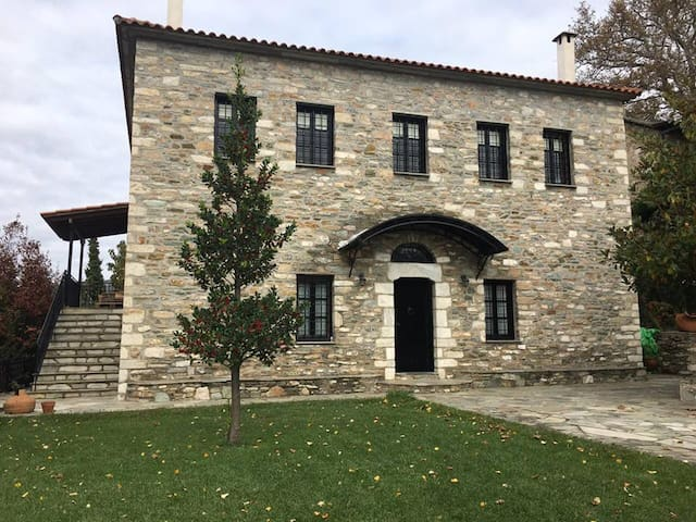 Πέτρινο αρχοντικό στην Πορταριά - Πορταριά - Talo
