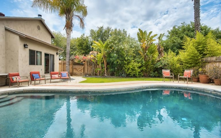 Family Retreat, Pool, King Bed, Sleeps 13 - San Diego - Haus
