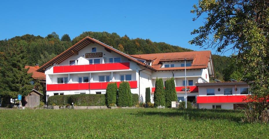 2-Zimmer Apartment - Gästehaus Hirlinger - Burladingen - Gæstehus
