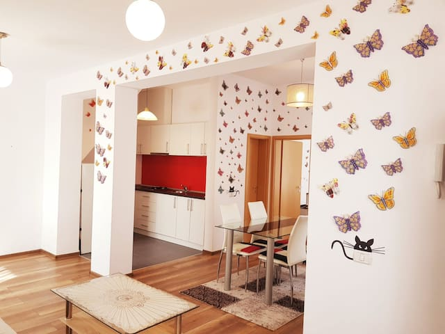 ☞ NICE & COZY☜ Butterflies in stomach Apartment 80