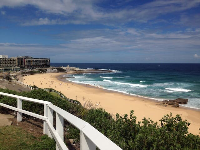 Fabulous apartment by-the-beach, Newcastle East