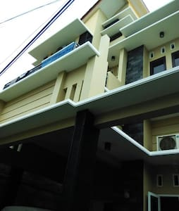 Cheap room in East Jakarta (girls only) - Yakarta - Bed & Breakfast