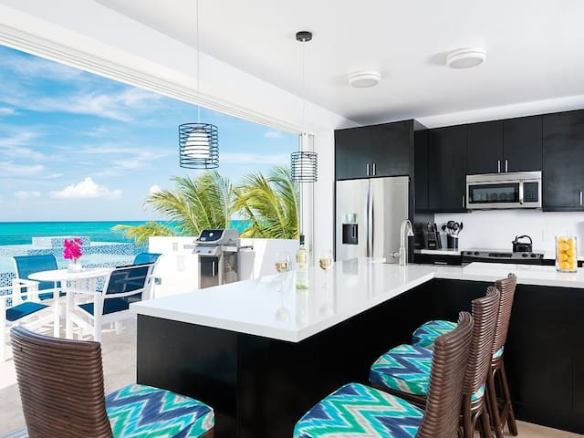 Vacation in a turquoise paradise at Plum Wild, a 2 bedroom villa on Grac... - Providenciales - Villa
