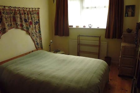 Double room in country retreat - Little Birch