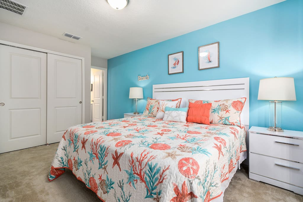 Master Bedroom w SmartTV Cable Services