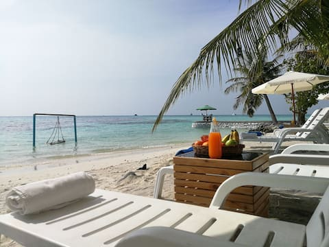Deluxe Double Room with Balcony and Seaview | Crown Beach @Dhiffushi