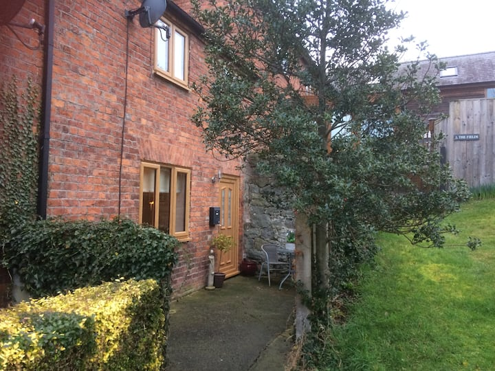 Woody Nook Cottage, Montgomery, Powys