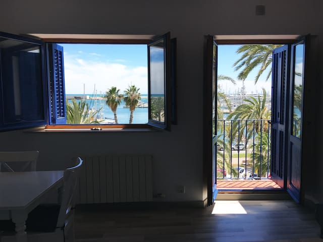 Great view in the Mediterranean Sea on the Spanish Coast! vilanovaapartments