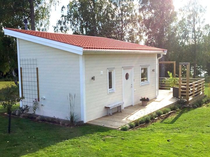 Lovely cottage by Väddö Canal