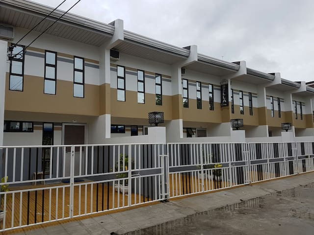 New townhouses for long/short stay - San Fernando - Apartamento