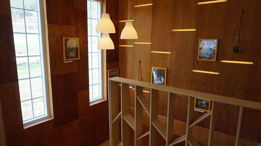 모네-빛을 그리다 2,땅끝 해남 속 세련된 갤러리 하우스에서의 슬로우 라이프