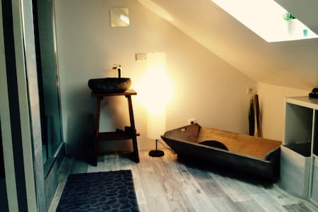 Bright&cosy!2 rooms near train-station to NUEmesse