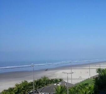 Lindo apartamento de frente para o mar - Praia Grande
