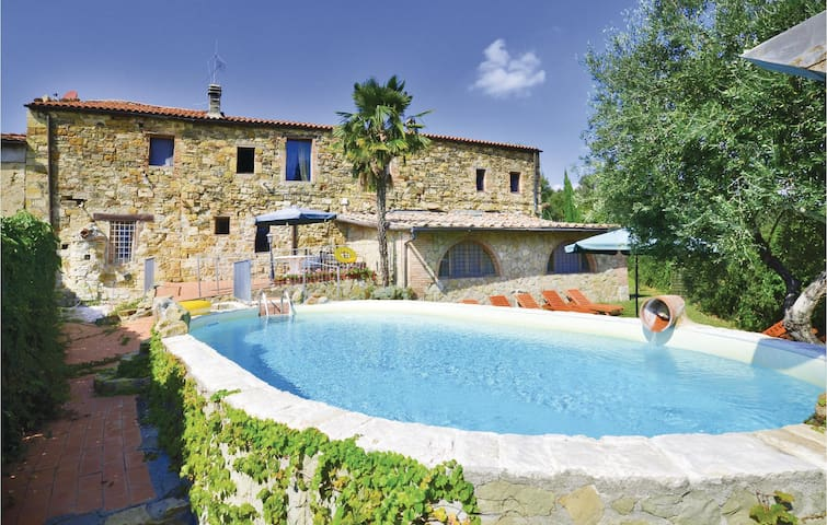 Semi-Detached with 3 bedrooms on 140 m² in Castellina in Chianti