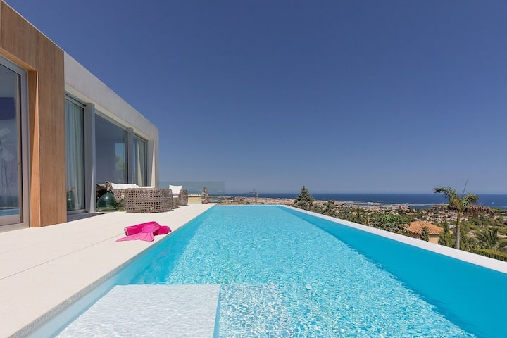 Attractive Villa in Denia with Private Pool