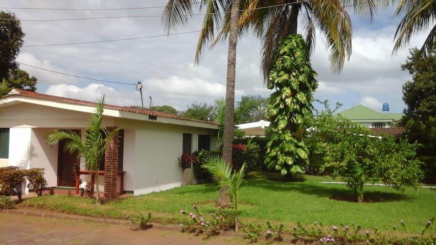 Apartamentos seguros y bien ubicados - Managua - Flat