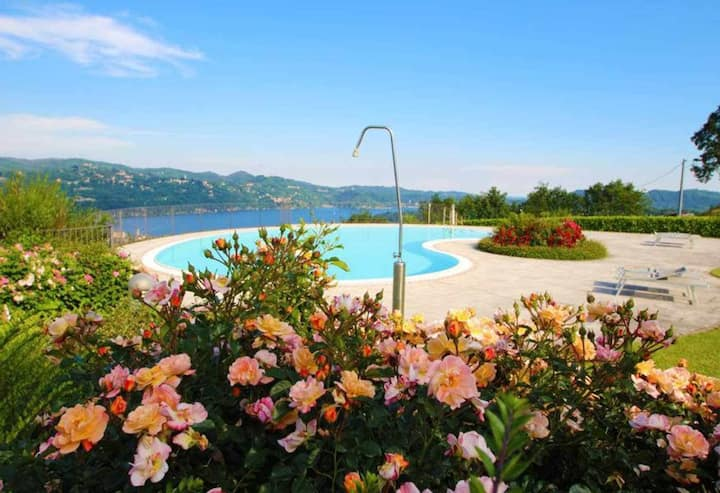 L'AIRONE flat whit pool and lake view