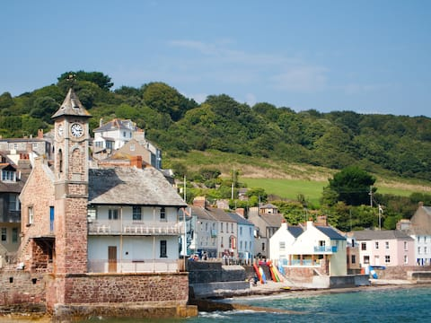 Brand new listing! Beautiful seaside home Kingsand