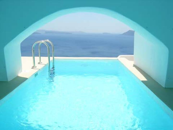 Apartment with private pool and amazing view