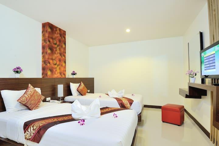 Superior Twin Room(No Windows)@Patong Beach
