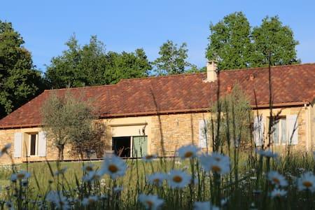 Chambre avec terrasse à la campagne.