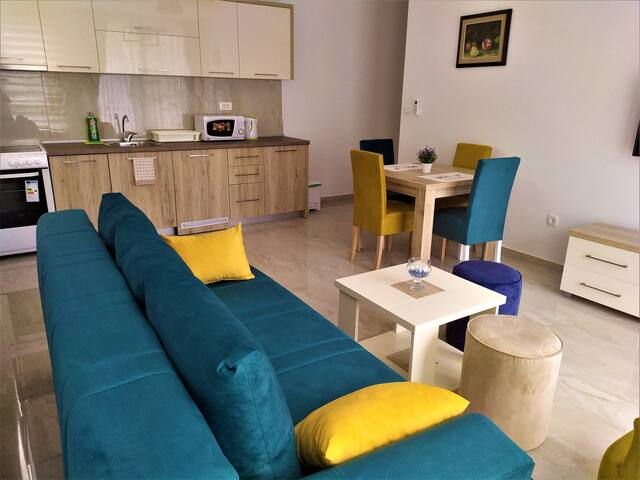 Aura Lux and Comfort One Bedroom Apartment 1