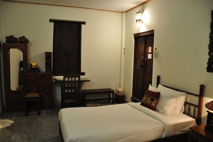 Sleek Twin Room in Sukhothai