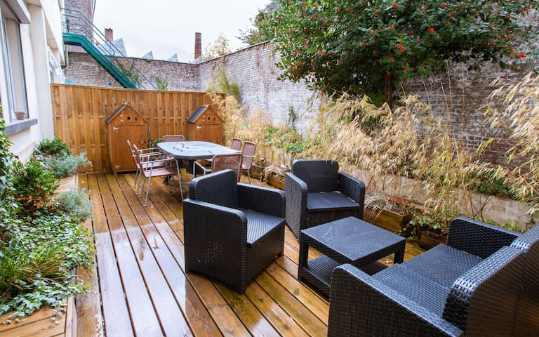 COZY APARTMENT WITH EQUIPPED TERRACE IN REPUBLIC IN LILLE FOR 4 PEOPLE