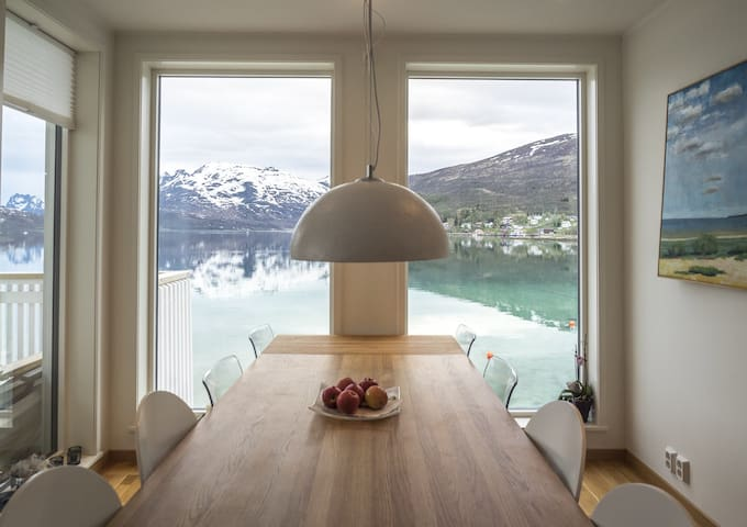 Beautiful house with a stunning view - Tromsø - บ้าน