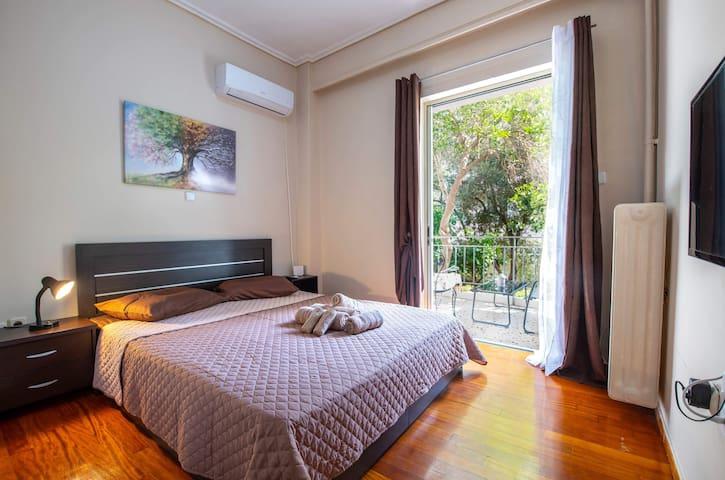 Athens,cozy apartment with balcony next to metro!!