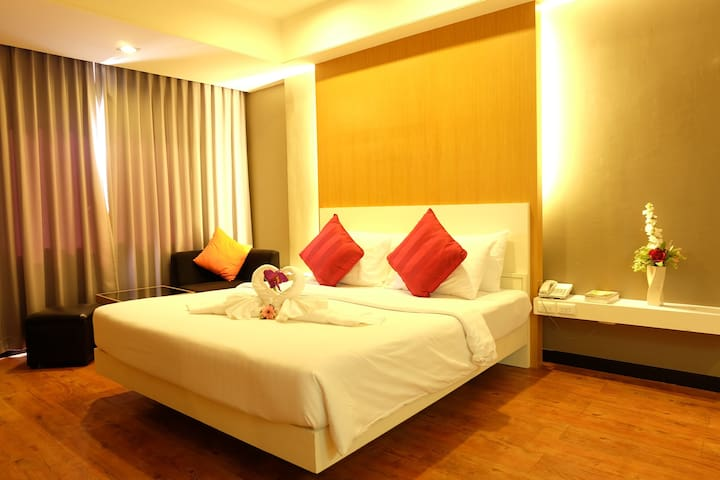 Private room with big swimming pool - Muang - Hotel butique