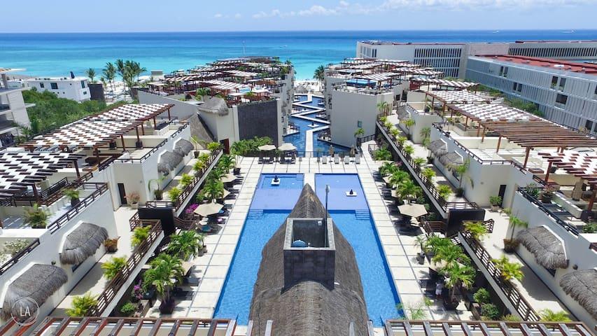 Private Plunge Pool @ Mamitas Beachfront Condo