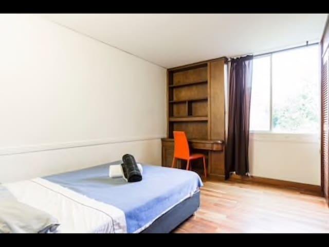 Luxur Room 2 in Poblado