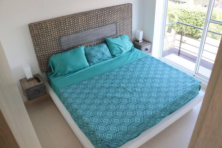 Habitacion principal cama king 2X2