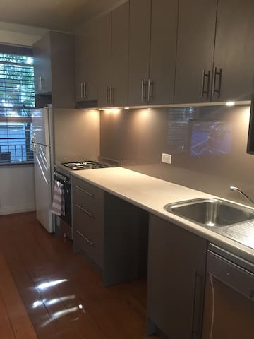1 bedroom apartment in St Kilda - St. Kilda - Leilighet