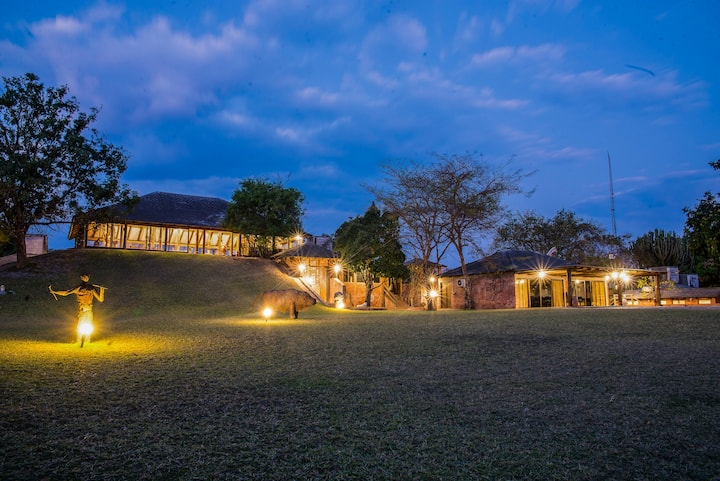 Mubanga Suite | Chaminuka Game Park | By VR-Genie™