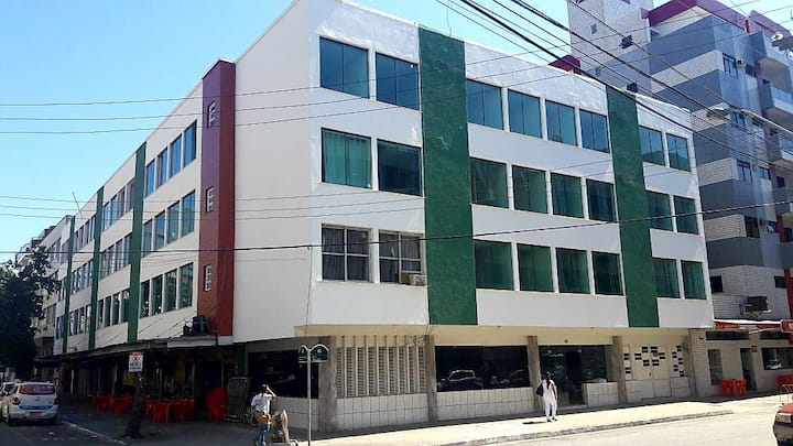 Apartamento 204 uma quadra da Praia do Forte (CF)