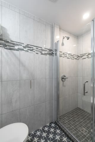Room 9 private bathroom