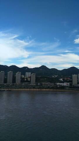 窗外的江山