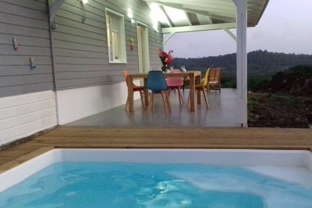 Maison f3 avec piscine priv e et sdb originale maisons for Maison neuve originale