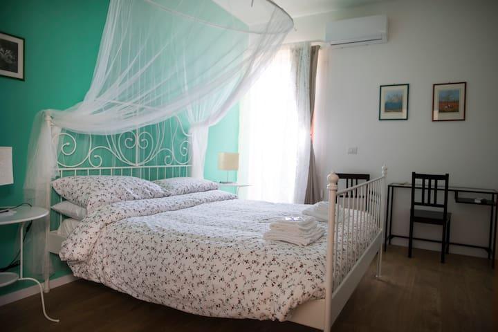 B&B Tauromenion (The Air Room) - Taormina - Bed & Breakfast