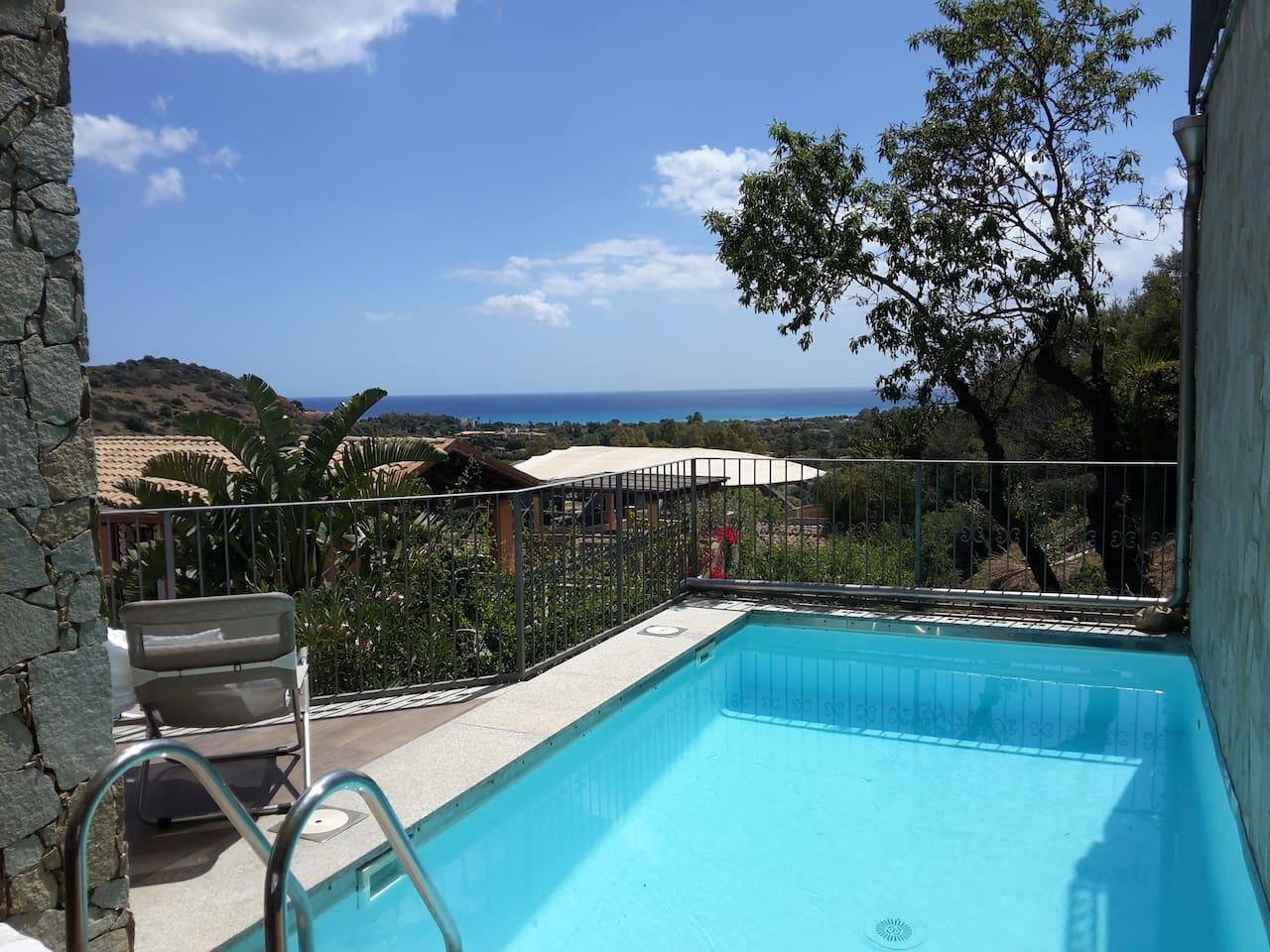terrazza panoramica vista mare con piscina a uso esclusivo