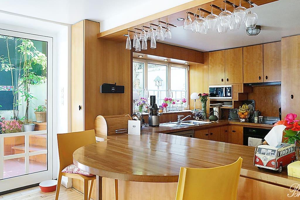 maison de ville charming town house maisons louer. Black Bedroom Furniture Sets. Home Design Ideas