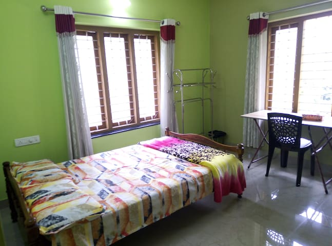 GRAND HOME STAY Non A/C, Thiruvalla,kunnamthanam.
