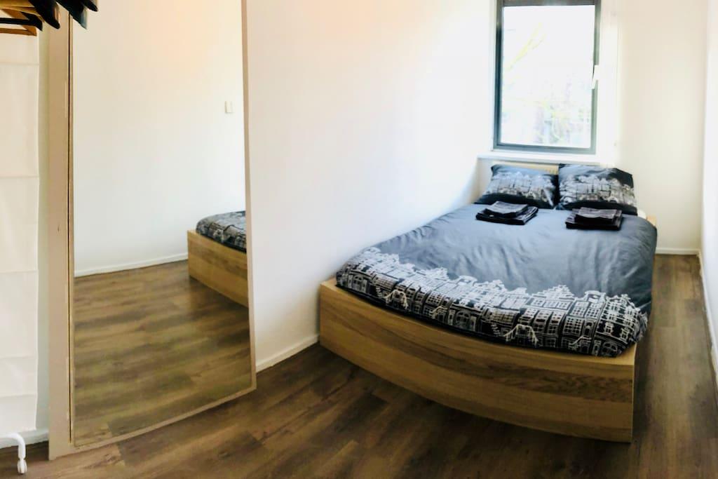room in a super duper cozy apartment 2 wohnungen zur. Black Bedroom Furniture Sets. Home Design Ideas