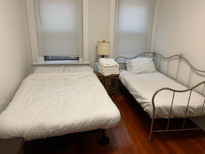 Fully Equipped Boston Private Bedroom with 2 beds