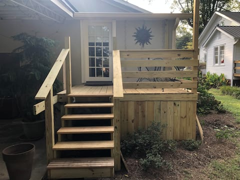 Tiny Apt. attached to Historic Home 35min to Chatt